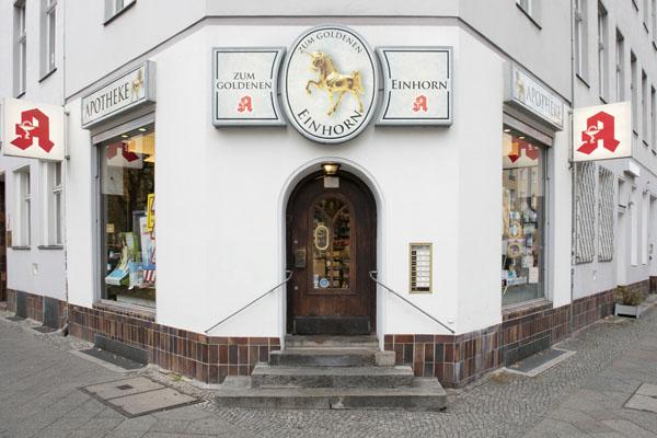 Apotheke zum Goldenen Einhorn Berlin Gneisenaustraße - Außenansicht